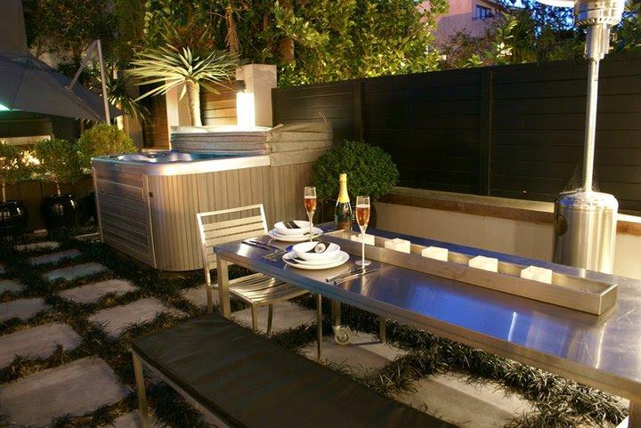 Colossal spa pool