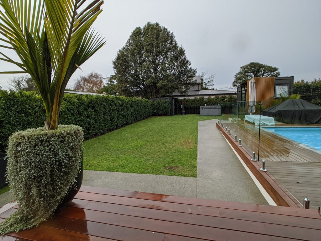 Colossal Pool & Garden Maintenance 2